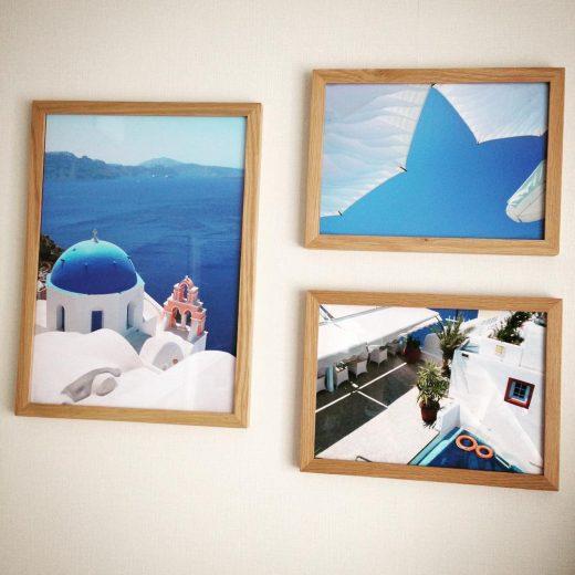 無印良品の「壁に付けられるフレーム」にA3サイズのサントリーニ島の写真を飾った